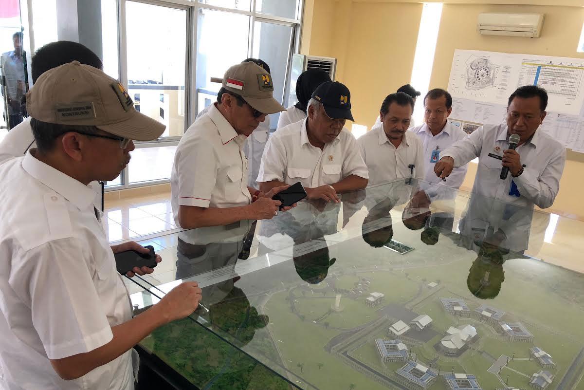 Bersama Menteri PUPRmeninjau Pembangunan Lapas Super Maximum Security di Nusa Kambangan (2)