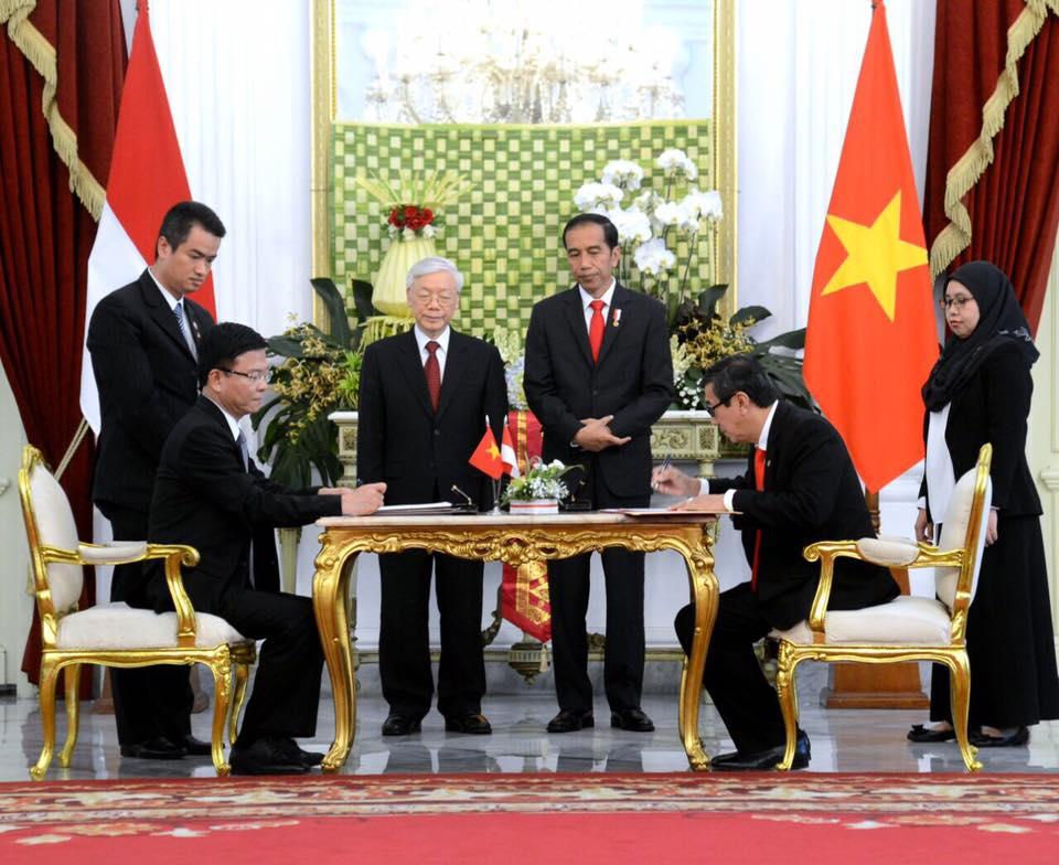 Penandatanganan MoU kerjasama dalam bidang hukum antara Pemerintah RI dan Pemerintah Republik Sosialis Vietnam