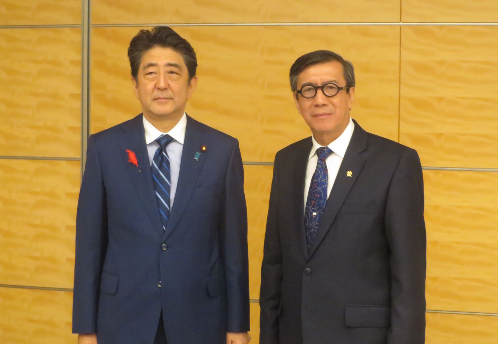 Kunjungan kehormatan Head of Delegations of AALCO kepada Perdana Menteri Jepang Shinzō Abe, di Tokyo, 10 Oktober 2018.