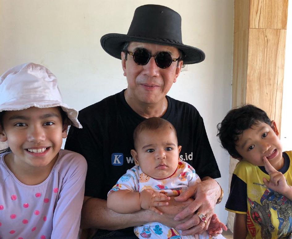 Cucu: Nadya, Nathan dan Jacob