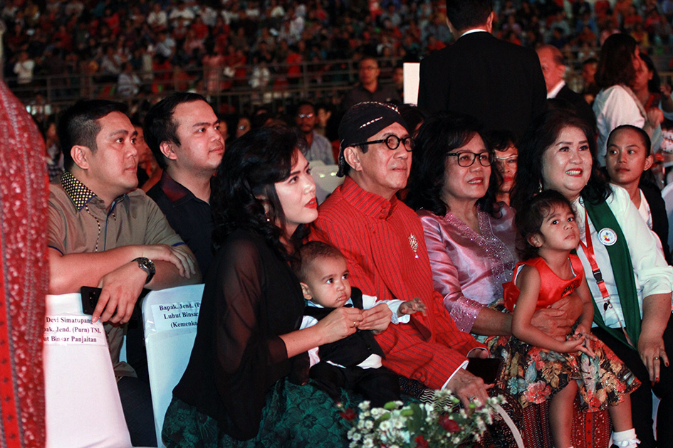 Bersama keluarga menghadiri Perayaan Natal Nasional 2018 di Gedung Serbaguna Pemprovsu Medan
