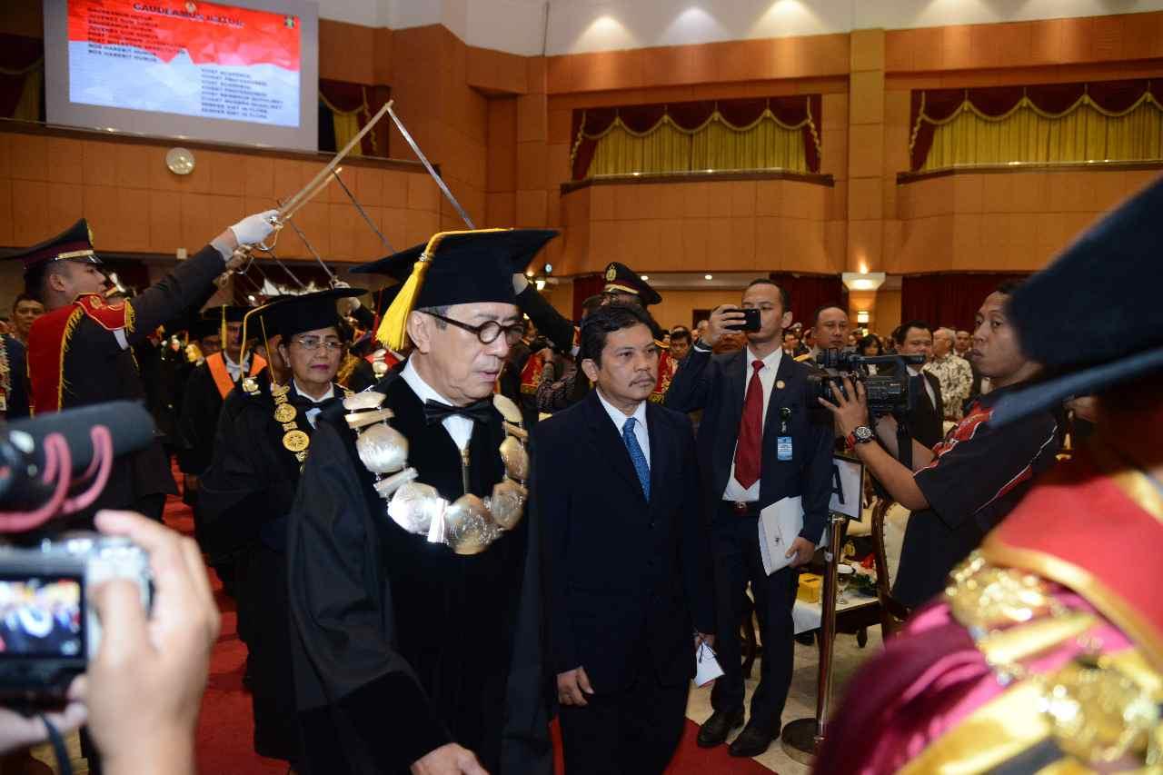 Pengukuhan Guru Besar STIK/PTIK Prof. Yasonna H. Laoly, S.H., M.Sc., Ph.D